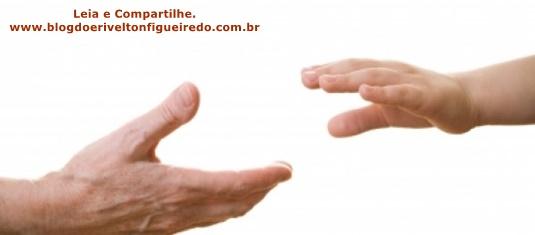 Deus sustenta os seus filhos com sua mão