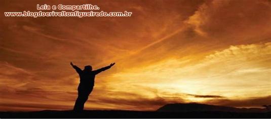 O Senhor Deus é aquEle que sempre está ao lado do seu povo para socorrer e guardar.